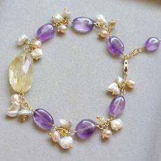 ♥ elegant cluster bracelet, delicately made by hand.. ************************************************************************ Please refer