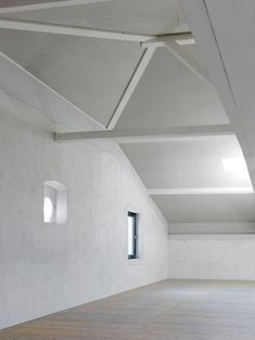 Studio in an Agricultural Building,© Thomas Jantscher