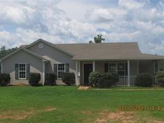 SOLD!RANCH ON .64 ACRE LOT. 3BR2BA.HUD HOME.CASE 105-079653. USE SUPRA KEY TO SHOW.  INSURABLE WESCROW. ESCROW AMT2200. SOLD AS-ISNO DISCLOSURESWARRANTIES. 100 DOWNFHA BORROWERS. EQUAL HOUSING OPPORTUNITY. FHAFHA(203K) and USDA ELIGIBLE.