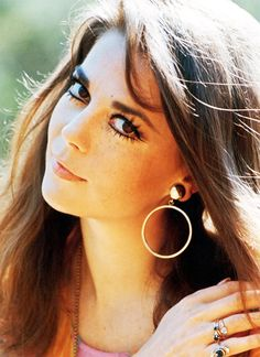 Natalie Wood -love her...and her eye makeup!