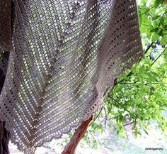 37 ideas crochet facile francais chale for 2019 Poncho Au Crochet, Crochet Beanie Pattern, Crochet Shawls And Wraps, Lace Knitting, Crochet Yarn, Lace Shawls, Irish Crochet, Crochet Hat Tutorial, Crochet Summer Dresses