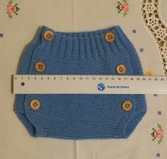 POLOLO DE LANA AZUL TALLA 3 MESES Material Lana especial bebés color azul marca SUAVEL de Coats (art.N876; col.8130; TINT: 117) ... Baby Boy Knitting Patterns, Afghan Crochet Patterns, Knitting For Kids, Crochet For Kids, Crochet Baby, Baby Pants, Crochet Slippers, Baby Accessories, Knitted Hats