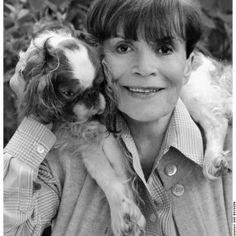 (foto di Federico Riva) La grande attrice Franca Valeri è da sempre amante degli animali, tanto da aver fondato nel 2004 un'associazione a Trevignano Romano.