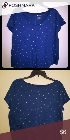 Light weight tee Blue with silver stars stylus Tops Tees - Short Sleeve