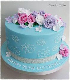 Vintage style Rose cake