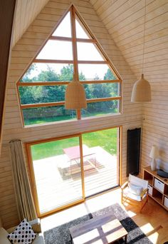 maison d'architecte en bois Une petite maison d'architecte en bois Une petite maison d'architecte en bois Ayfraym DIY Cabin Storage Stairs in this Tiny House on Wheels! architecture- minimalist a-frame house Small Wooden House, Small House Plans, Wooden Houses, Weekend House, Loft House, French Country House, Tiny Living, Living Room, Compact Living
