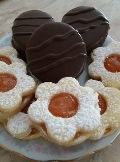 nekem is ez a recept van az egyik kedvencünk! Doughnut, Food And Drink, Sweets, Cookies, Cake, Crack Crackers, Gummi Candy, Candy, Biscuits