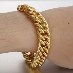 New pose of our NEW ARRIVAL Gold Filled Bracelet@Trendsmax