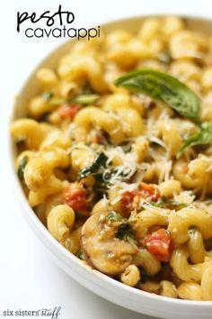 Healthy Recipes : Noodles and Company Pesto Cavatappi Copycat tastes JUST like the restaurant! Recipes Using Pesto, Pesto Pasta Recipes, Pasta Recipies, Vegetarian Recipes, Cooking Recipes, Healthy Recipes, Yummy Recipes, Budget Recipes, Vegetarian Dinners