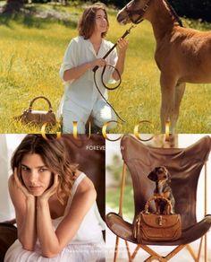 A amazona Charlotte Casiraghi, que é neta de Grace Kelly, posou mais uma vez para uma campanha da marca Gucci. Nas fotos Charlotte aparece ao lado de um potro e vários cachorros para divulgar a bolsa ícone da marca a Bamboo Bag.