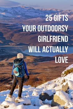 25 Outdoorsy Gifts for Her - Your Essential Gift Guide for Women Who Love the Outdoors (#giftguide #rei #outdoors) // Local Adventurer + REI Gift Ideas