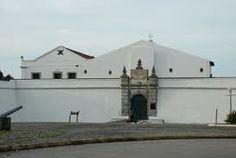 primeira parada será no Forte do Brum, que foi construído no século 16 pelos portugueses para proteger a entrada do Porto contra a invasão holandesa