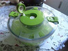Salatschleuder    mehr infos auf willhaben.at Kettle, Kitchen Appliances, Used Cars, Real Estate, Diy Kitchen Appliances, Tea Pot, Home Appliances