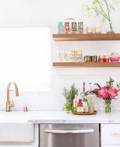 Bonjour!  Uma bela semana para vocês, repleta de cores! #colors #kitchen #cozinha