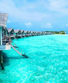 Tag who you'd stay here with #VacationWolf http://www.VacationWolf.com Find Your Adventure (LINK ON OUR BIO) :@loama_maldives