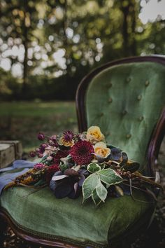 Flowers Bouquet Dalia Rose Leaves Atmospheric Woodland Wedding Ideas http://www.kategrayphotography.com/