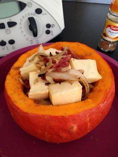 Photo 3 de recette Potimarron farci au reblochon et aux lardons - Marmiton