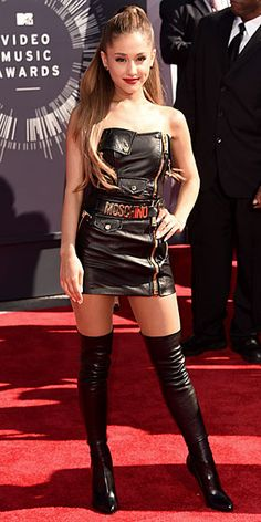 Ariana Grande Photos - Actress/Recording Artist Ariana Grande attends the 2014 MTV Video Music Awards at The Forum on August 2014 in Inglewood, California. - Arrivals at the MTV Video Music Awards — Part 2 Ariana Grande Fotos, Ariana Grande Outfits, Ariana Grande Vestidos, Ariana Grande Legs, Adriana Grande, Elegantes Outfit Frau, Mtv Videos, Funny Videos, Mädchen In Bikinis