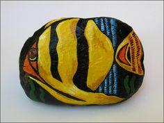 Yellow Fish  --  Pez Amarillo