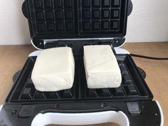 豆腐をワッフルメーカーで焼いてはダメ、絶対。