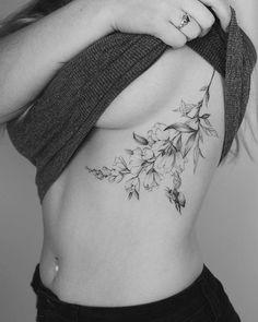 Löwenmaulblume und and Danke, dass du hochgeflogen bist, um mich zu sehen 🙏🏼 Tattoos – flower tattoos designs - diy tattoo images Diy Tattoo, Form Tattoo, Shape Tattoo, Tattoo Ideas, Small Flower Tattoos, Flower Tattoo Designs, Small Tattoos, Flower Side Tattoos Women, Side Tattoos Women Small