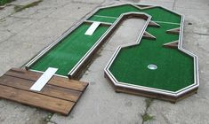 Golf Channel Chipping Tips Golf Putting Green, Golf Putting Tips, Outdoor Games To Play, Backyard Games, Medan, Putt Putt Mini Golf, Golf Card Game, Golf Tips Driving, Dubai Golf