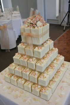 Lovely soft colours - Sweet Designs by Claire #wedding #cake #love #softpink #flowers