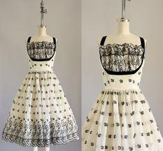 19 Classy Vintage Holiday Dresses Under $100 @brendalymarquez