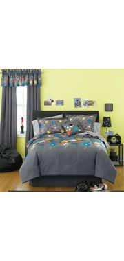 Splatter (graffiti or paintball style) bedding from JC Penney. Awesome for a teen or tween boy bedroom! Cool Comforters, Bed Sets, Cool Beds, Bed Styling, Kid Beds, New Room, Comforter Sets, Interior Design, Paint Splatter