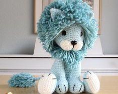 Lion crochet pattern amigurumi patterns pdf tutorial tyrion the lion Crochet Patterns Amigurumi, Amigurumi Doll, Crochet Dolls, Amigurumi Tutorial, Tutorial Crochet, Lion Toys, Pet Toys, Crochet Mignon, Patron Crochet
