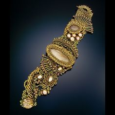 Sand. Gorgeous freeform bracelet by Carolyn's Beads