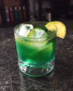 The Curse with Brew Glitter - letsturnup - Recipe 2 oz Hennessy 1 oz Blue Curacao 1 2 oz Lime Juice Top with Sprite Hennessy Cocktails, Cocktails Bar, Cocktail Drinks, Cocktail Recipes, Blue Curacao, Whisky, Hennessey Drink, Non Alcoholic Drinks, Beverages