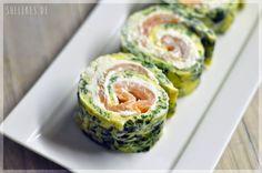 Low Carb Lachsröllchen sind ein feines Fingerfood und eignen sich auch prima als Topping auf Salat.