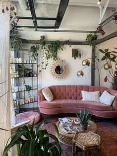 7 Stylish new ways to decorate with pink - Daily Dream Decor Source by nebulo. - 7 Stylish new ways to decorate with pink – Daily Dream Decor Source by nebuloes styles interior Living Room Decor, Living Spaces, Bedroom Decor, Retro Living Rooms, Living Area, Dining Room, Aesthetic Room Decor, Dream Decor, Dream Rooms