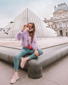 Travel Girl Paris ideas for 2019 – girl photoshoot poses Paris Pictures, Paris Photos, Travel Pictures, Girl Pictures, Travel Photos, Paris Photography, Photography Poses, Travel Photography, Paris Tour