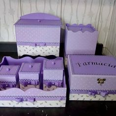 Kit Bebe, Kite, Decorative Boxes, Gift Wrapping, Country, Purple Baby, Baby Things, Decorated Boxes, Furniture