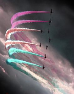 image!!! (Royal Air Force Aerobatic Team... Station Scampton, Lincolnshire, England, United Kingdom ..)