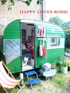 I want one of these one day! Love this blog! HAPPY LOVES ROSIE: Vintage Caravan .... Done! UPDATE