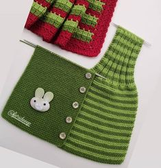 En Güzel Bebek Örgü Modelleri ile Kışa Hazırlık Hand Knitted Sweaters, Baby Sweaters, Knitted Hats, Diy Crafts Knitting, Easy Knitting, Baby Knitting Patterns, Crochet Baby, Knit Crochet, Baby Cardigan