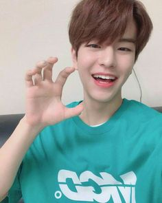 Teach me your ways angel Lee Min Ho, K Pop, Rapper, Stray Kids Seungmin, Shared Folder, Lee Know, South Korean Boy Band, K Idols, Boyfriend Material