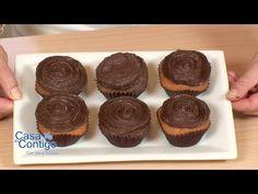 ▶ Frosting o glaseado de chocolate, la receta mas rapida, facil y mejor - YouTube Cake Pops, Cupcakes, Cocoa, Biscotti, Muffins, Bread, Cookies, Breakfast, Desserts