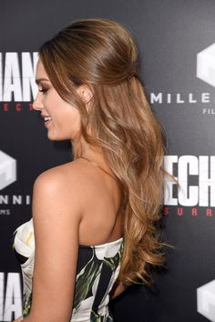 Jessica Alba Half Up Half Down - Jessica Alba styled her hair into a retro-glam half-up 'do for the premiere of 'Mechanic: Resurrection.'