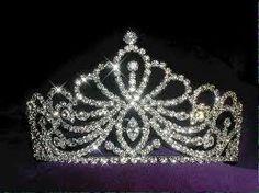 roayls of the castle's crown:)