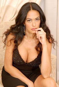 cucinotta-maria-bare-breasts-girlfriend-sucking-dick-facial-real-homemade