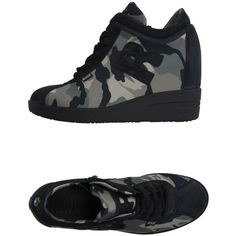 Ruco Line Low-tops & Sneakers ($51) ❤ liked on Polyvore featuring shoes, sneakers, military green, wedge shoes, camo wedge sneakers, wedge heeled shoes, low top and camouflage sneakers