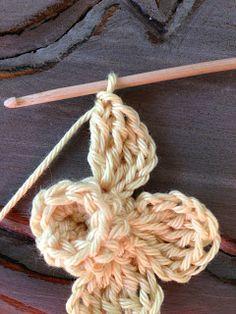 Annoo's Crochet World: flower Tutorial ✿Teresa Restegui http://www.pinterest.com/teretegui/✿