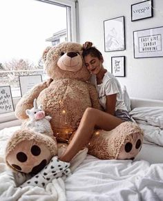 Image about girl in Cute by Hannah Avila on We Heart It Teddy Girl, Huge Teddy Bears, Giant Teddy Bear, Teddy Photos, Teddy Bear Pictures, Photo Ours, Instagram Girl Photo, Teady Bear, Bear Girl