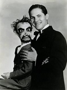 I recently found this vintage PR print of a ventiloquist performer with an unpleasant looking zombie dummy, photo by a guy named Lobato from somewhere. This photo also goes into my Vintage Peculiar Hall of Fame collection. Ventriloquist Puppets, Halloween Circus, Punch And Judy, Haunted Dolls, Old Photographs, Photos, Vintage Horror, Creepy Dolls, Best Friends Forever