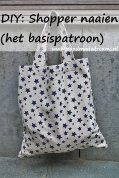DIY: Shopper naaien (het basispatroon)t Sewing Hacks, Sewing Tutorials, Sewing Tips, Leftover Fabric, Love Sewing, Sewing Projects For Beginners, Diy Projects, Shopper, Sewing Patterns Free