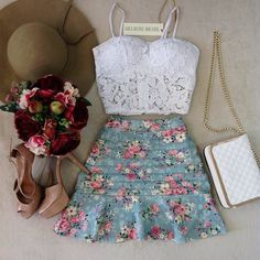 Maravilhoso!!                                                                                                                                                                                 Mais Girly Outfits, Skirt Outfits, Cute Outfits, Dress Skirt, Teen Fashion, Love Fashion, Fashion Outfits, Womens Fashion, Cute Dresses